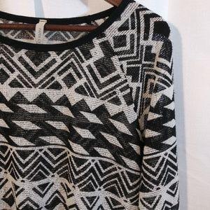 Paper Crane Black/Cream geometric mesh top
